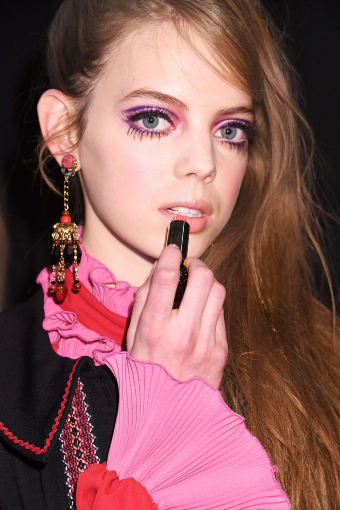 Anna Sui 60. makeup Twiggy inspired doll look