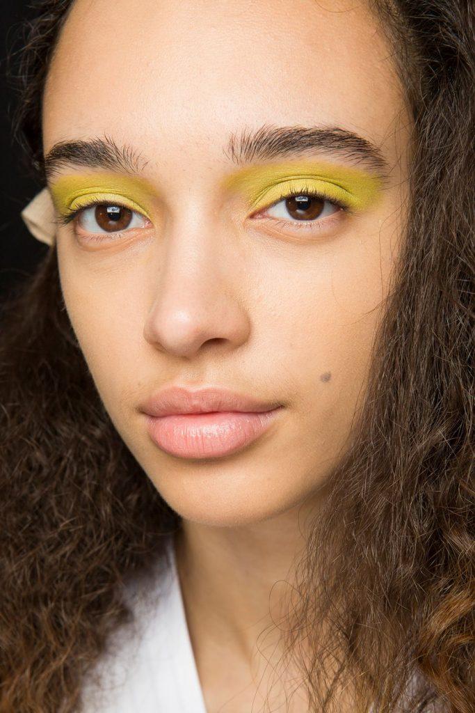 Noon by Noor makeup trendy w makijażu jesień/zima 2018 neon eyeshadow