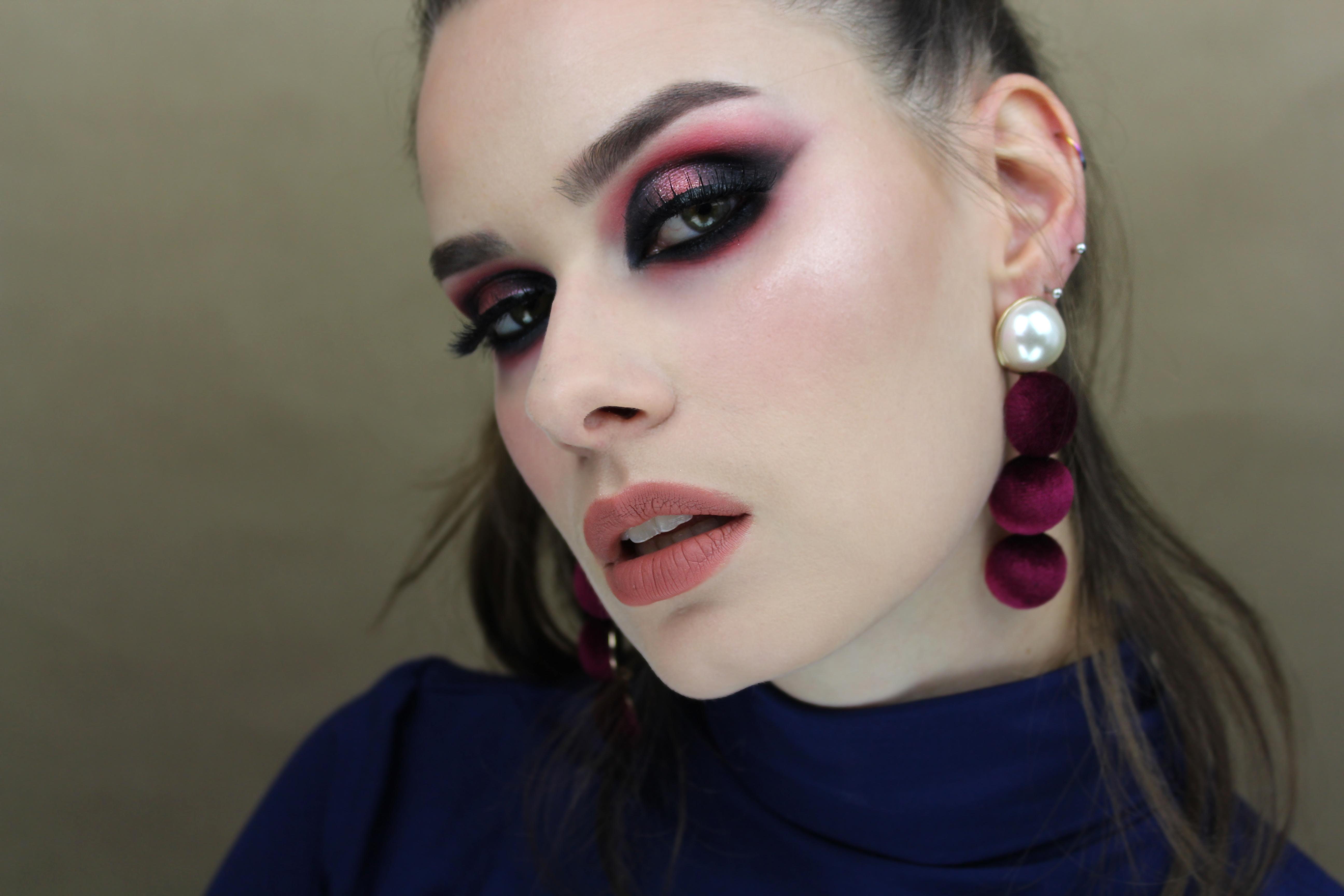 Kocie oczy – DARK ROSES – makijaż glamour