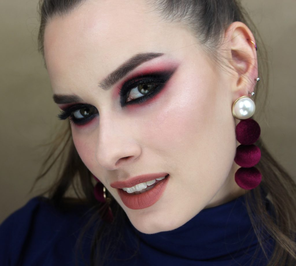 kocie oczy dark roses pink burgundy evening makeup glamour eyes